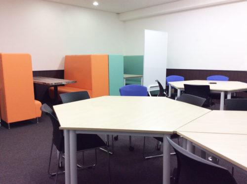 「パセラのコワーク 東新宿店」の設備やサービス、料金プラン