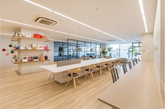 Share ability space Enicia 浜松店
