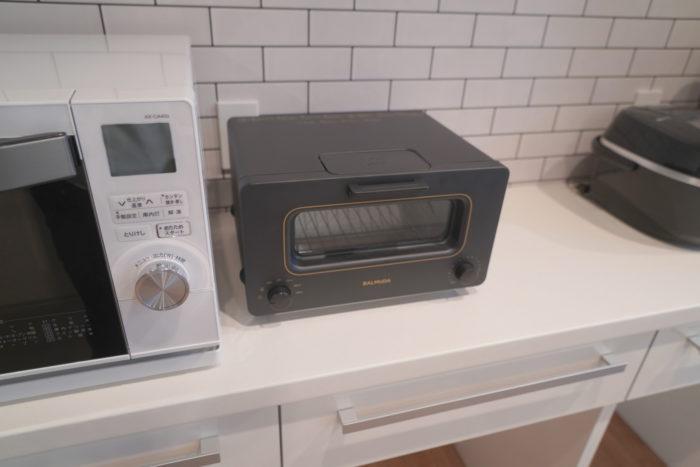 BIZcomfort大森山王の調理スペースに備えてある最新の調理家電