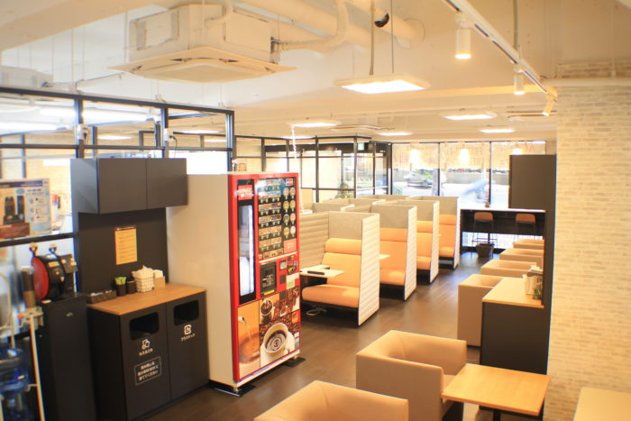 「ACCEA CAFE 新大阪駅前店」の設備やサービス、料金プラン